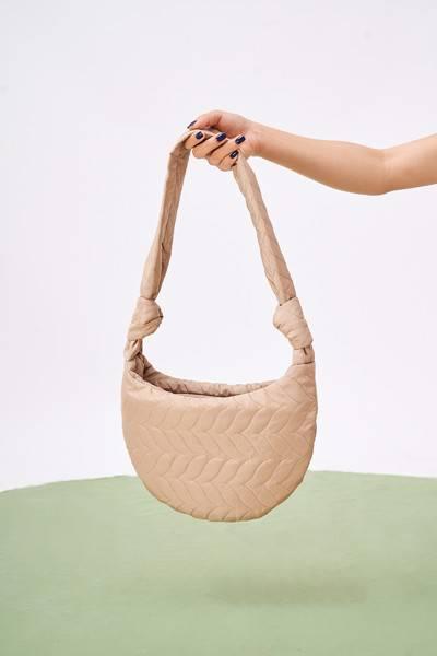Túi đeo chéo chần bông - B0004