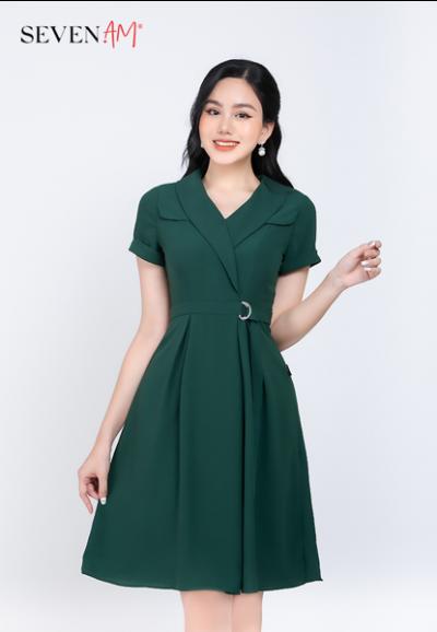 Đầm cổ vest màu xanh đai D trang trí Y52328P