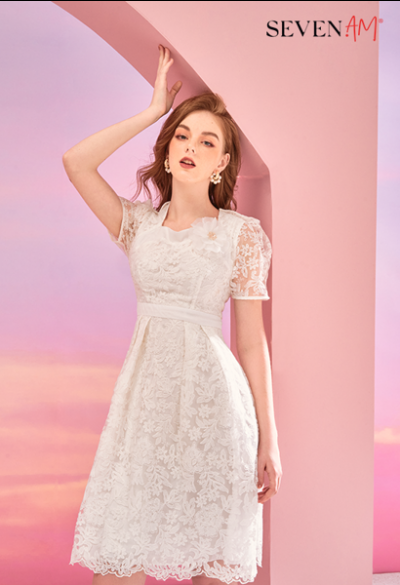 Đầm ren trắng cổ vuông tay cộc C58773C