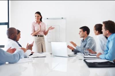 Tự tin dùng tiếng Anh trong thuyết trình và hội họp