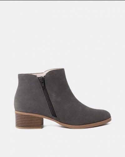 Giày Boot Cổ Thấp